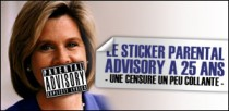 "LE STICKER ""PARENTAL ADVISORY"" A 25 ANS"