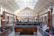 Ce que je reproche le plus résolument à l'architecture française, c'est son manque de tendresse