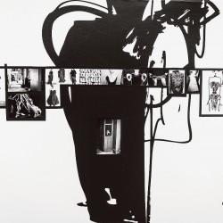 """Photographies d'essayages sur fond de croquis d'Alber Elbaz - Exposition """"Manifeste"""" à la Mep jusqu'au 31 octobre 2015"""