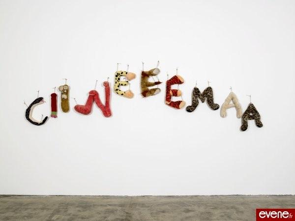 Ciineeemaa - Annette Messager