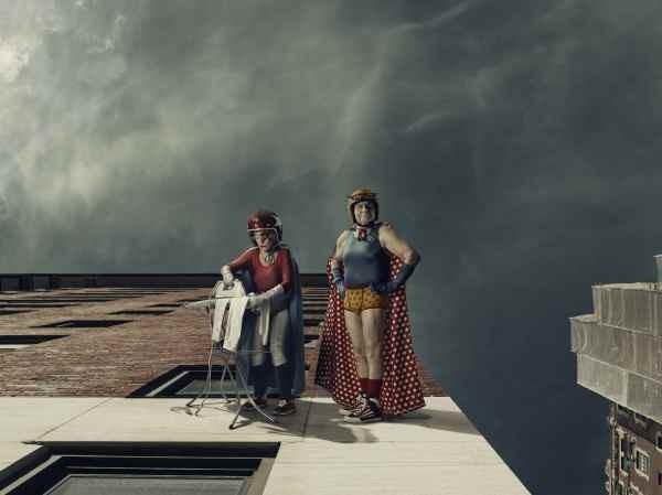 """""""Mamika"""", le troisième âge en mode super-héros, par Sacha Goldberger. Exposition dans le cadre des Promenades photographiques de Vendôme. Jusqu'au 16 septembre 2012."""