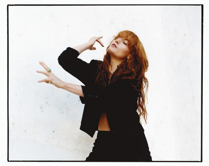 Florence Welch, à l'occasion de la sortie de son troisième album, How Big, How Blue, How Beautiful (Island/Universal)
