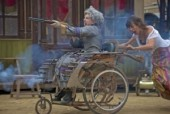 Royal de Luxe met le bordel dans le western